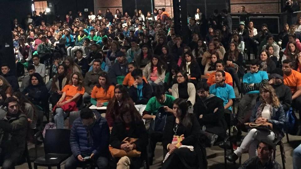 Los centros de estudiantes secundarios ya debatieron sobre la ley de educación.