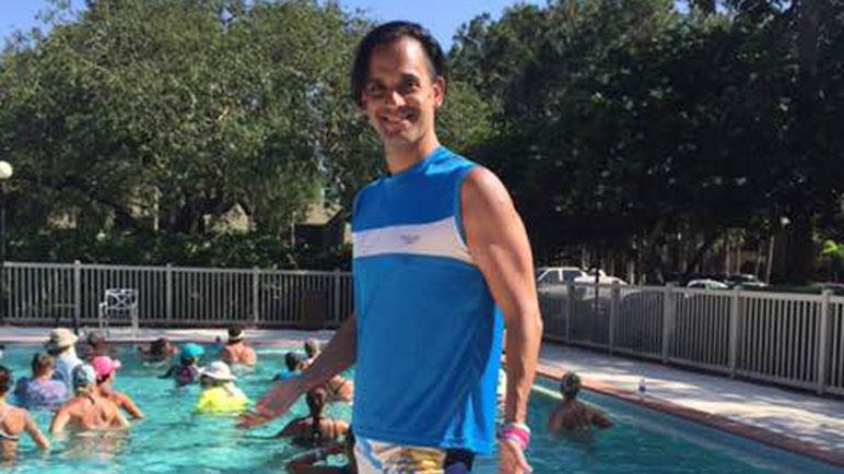 Javier García llega desde Capital Federal para brindar sus clases acuáticas.
