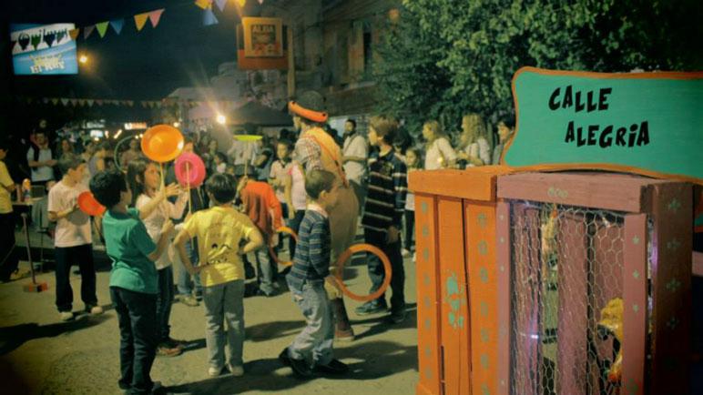 La Calle del Circo y la Alegría, para que disfruten grandes y chicos.