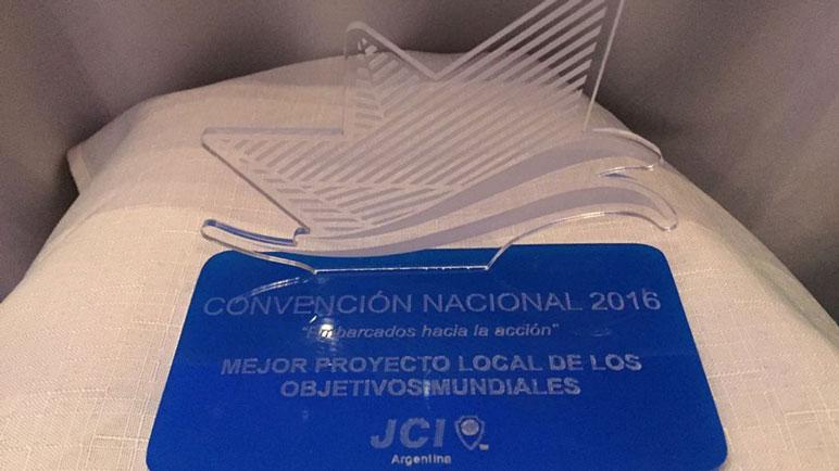 El premio recibido por JCI Casilda.