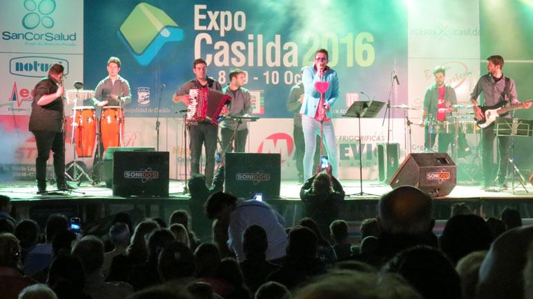 El público disfrutó del show de El León.