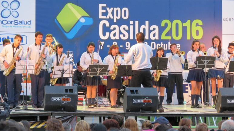 La Banda Municipal César Mastroiacovo.