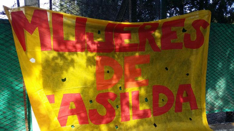 Las mujeres de Casilda se movilizan junto a la familia de Agustina.