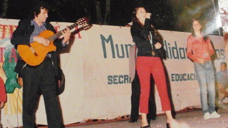 Recuerdos de el profe y sus alumnas. Carreras, Soledad y Natalia Pastorutti.