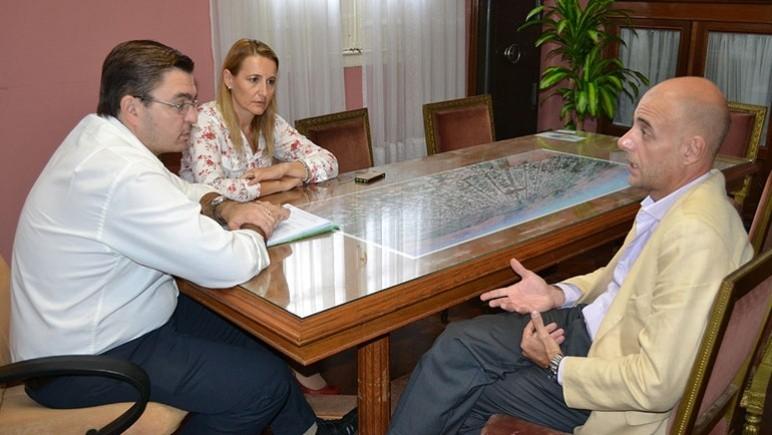 Sarasola y Ferraretto reunidos con Leonardo Gianzone, de defensa al consumidor.