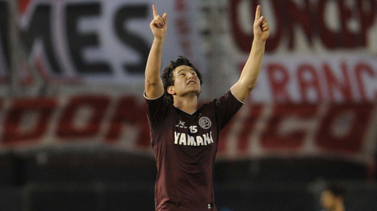En Lanús Gastón volvió a gritar campeón.