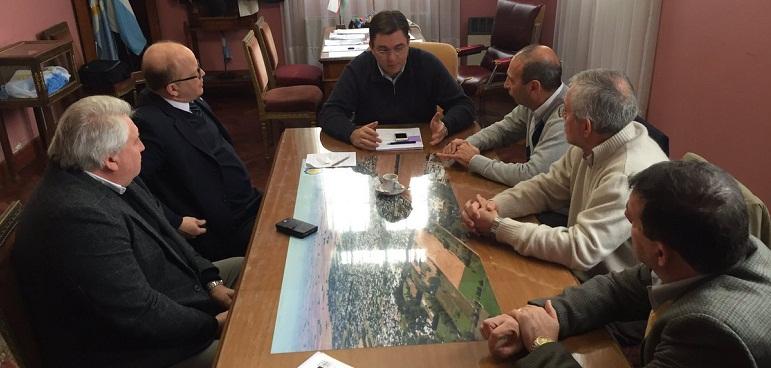Sarasola, Contigiani y empresarios locales se reunieron el viernes.