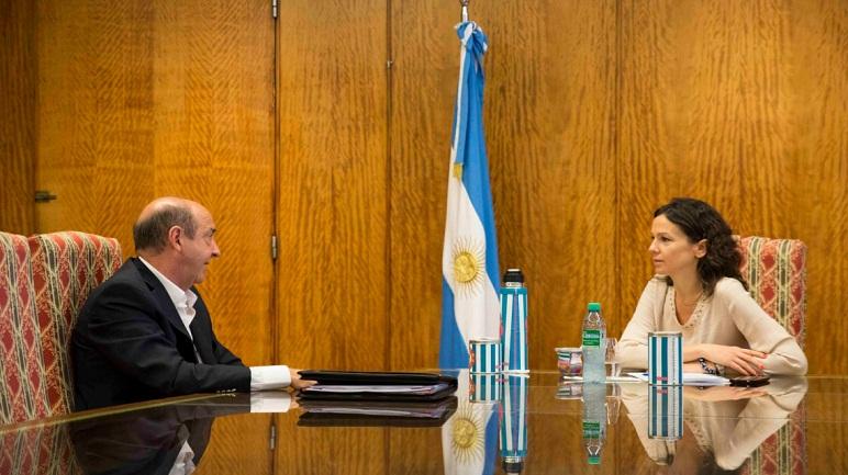 Jorge Álvarez reunido con su par de Nación, Carolina Stanley.