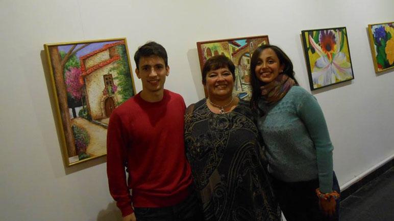 Andrea Novello (en el medio) tiene una larga trayectoria en el arte.