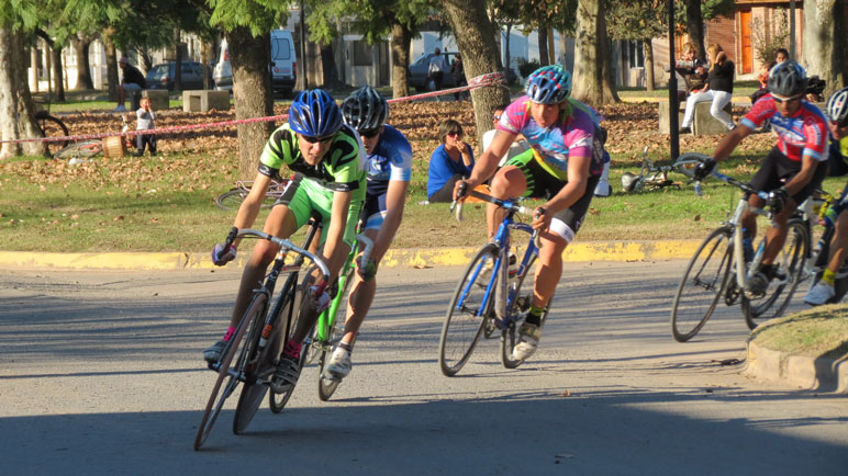 Participaron ciclistas de la región y otras provincias.