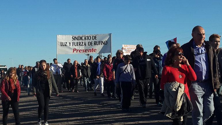 La manifestación del domingo en Rufino. Foto panoramavt.com.ar
