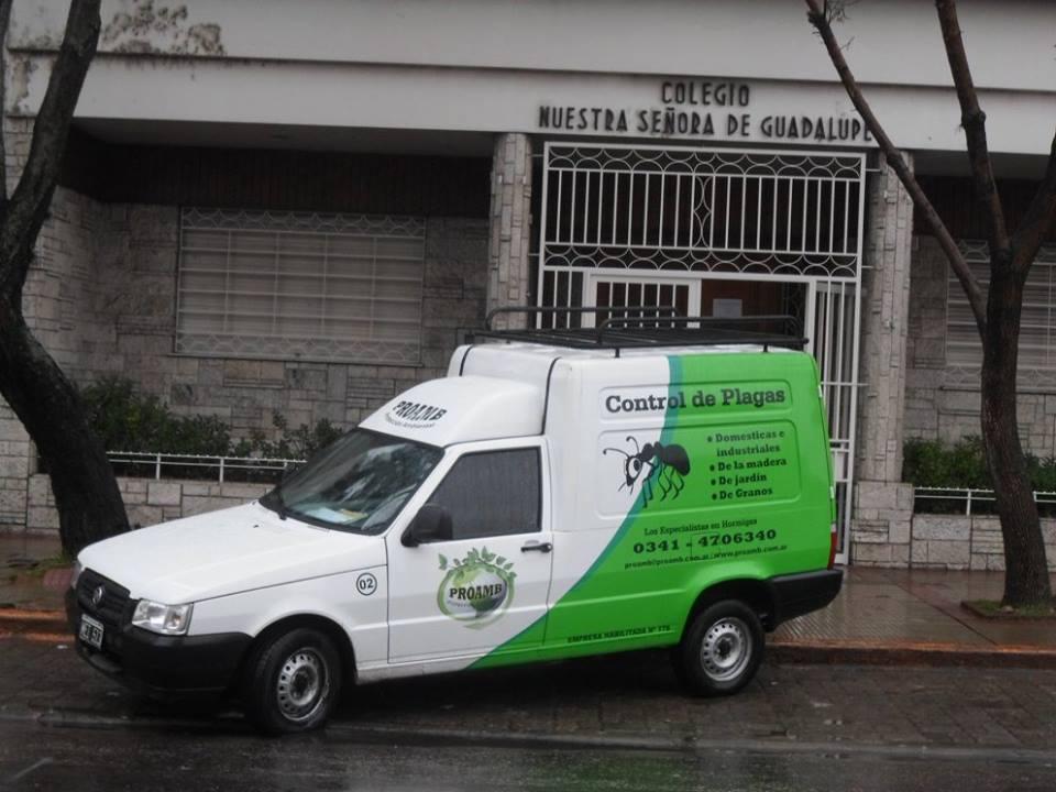 El equipo de desinfección arribó este lunes al Colegio Nuestra Señora de Guadalupe (Facebook del Colegio).