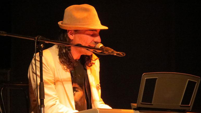 Alejandro Lopíccolo, 20 años con la música.