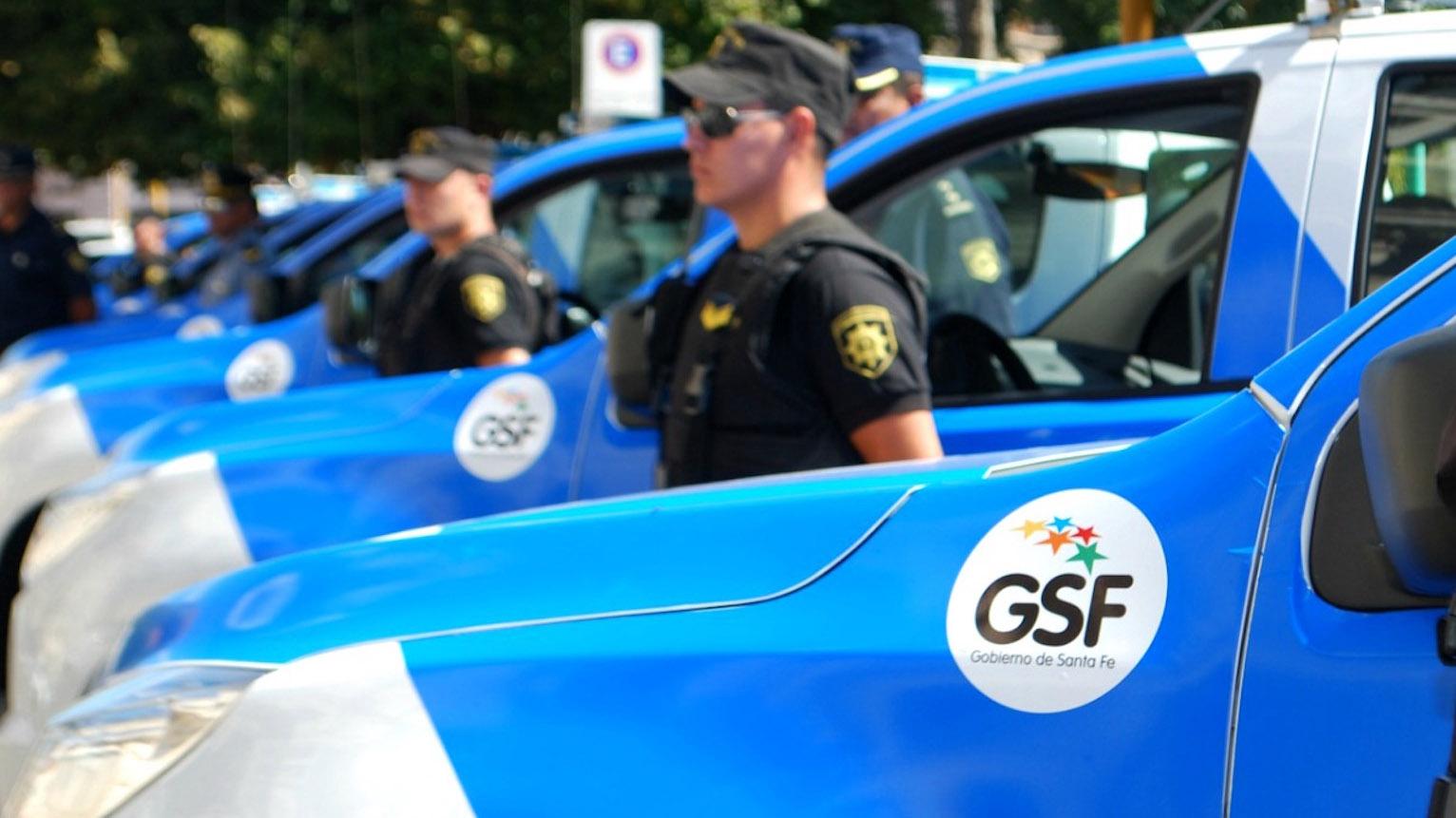 Unos quince patrulleros coparon la parada en Villa Banana.