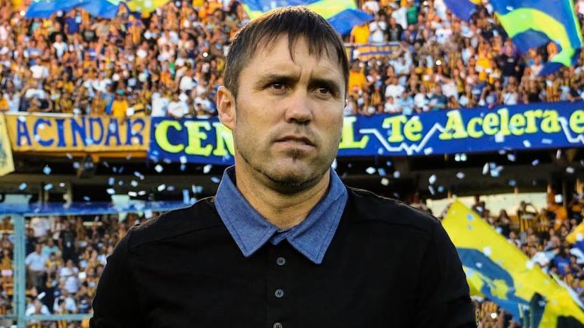 Sigue. El Chacho permanecerá como técnico de Rosario Central