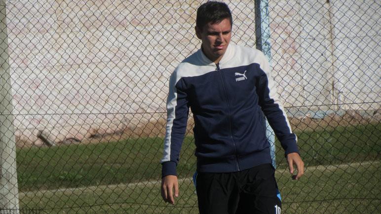 Maradona se prepara. Sergio, antes de jugar en Fuentes.