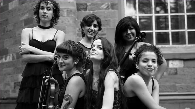 Seis mujeres llevan las riendas de esta orquesta local