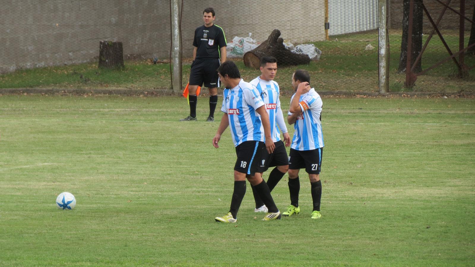 Argentino va por un milagro. Debe revertir un 0-5 en su cancha.