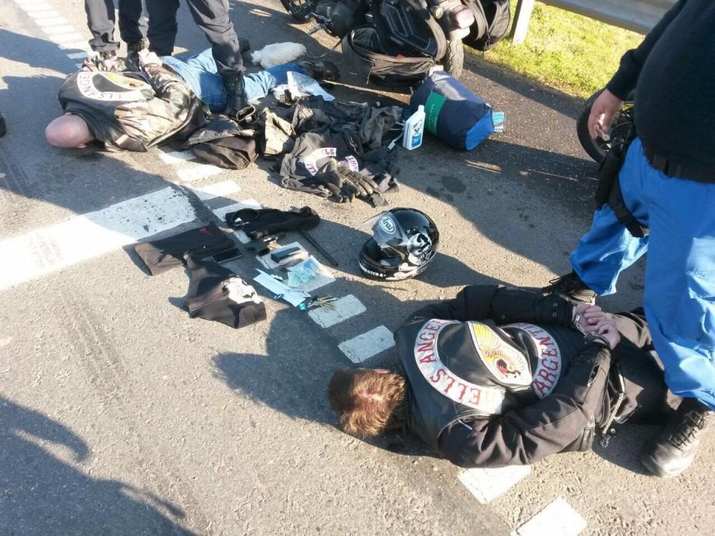 Miembros de Hell's Angels Argentina, uno de los bandos en pugna, detenidos en la ruta 5.