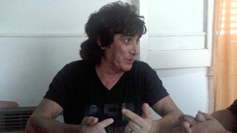 Roberto Casadei vuleve al Cemento. Fitín es el DT de Argentino de Firmat.