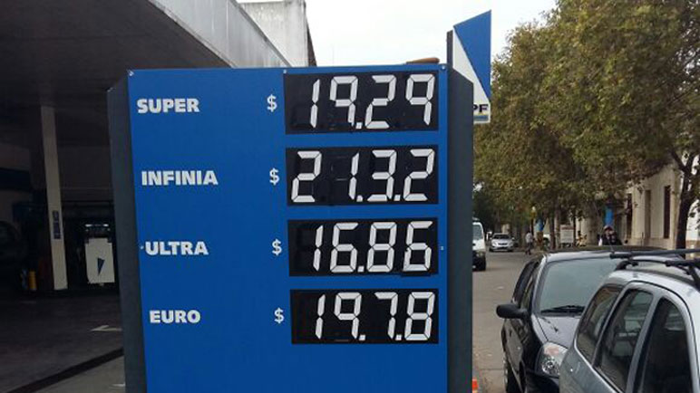 Los nuevos precios de los combustibles en YPF.