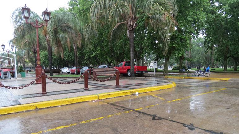 La lluvia continuará durante el día.