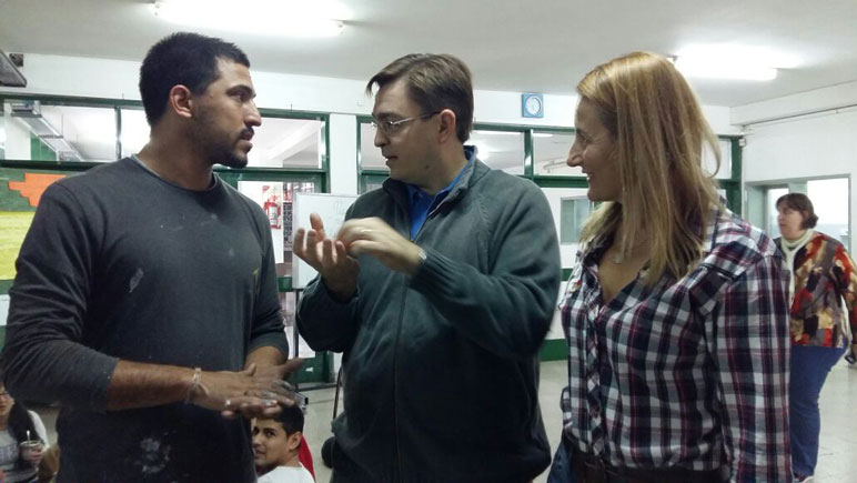 Andrej Zikic junto al intendente Juan José Sarasola.