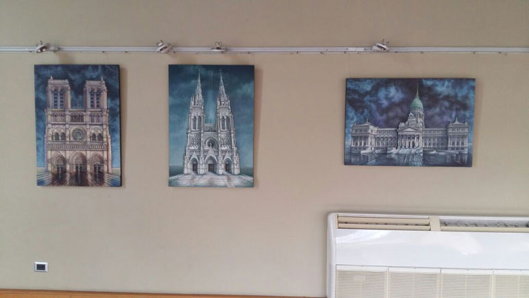 Son diversos cuadros con relieve.
