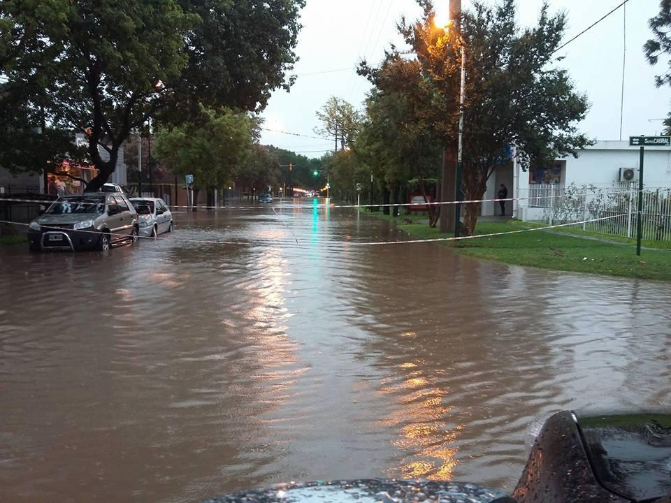 En Funes llovieron 160 mm en tres horas