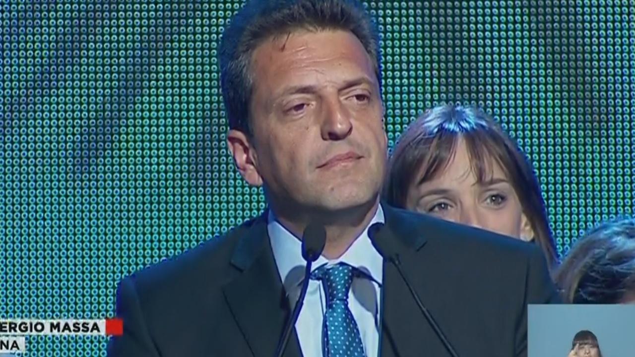Sergio Massa felicitó a Scioli y Macri, los más votados.