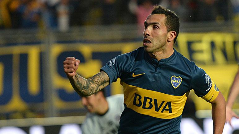 Carlos Tevez, uno de los goleadores del partido jugado en San Juan.