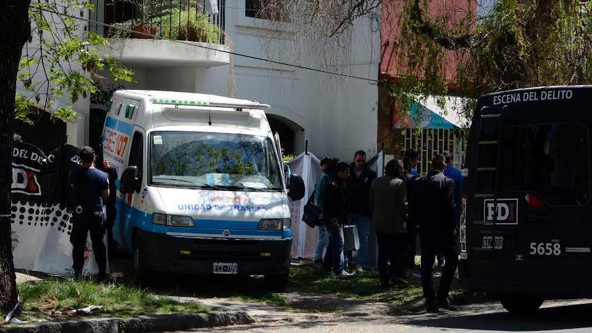 El doble homicidio en Saladillo conmocionó a todo el barrio de la zona sur.