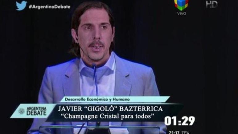 El gigoló fue uno de los candidatos que no estuvo en el debate según los usuarios de Twitter.