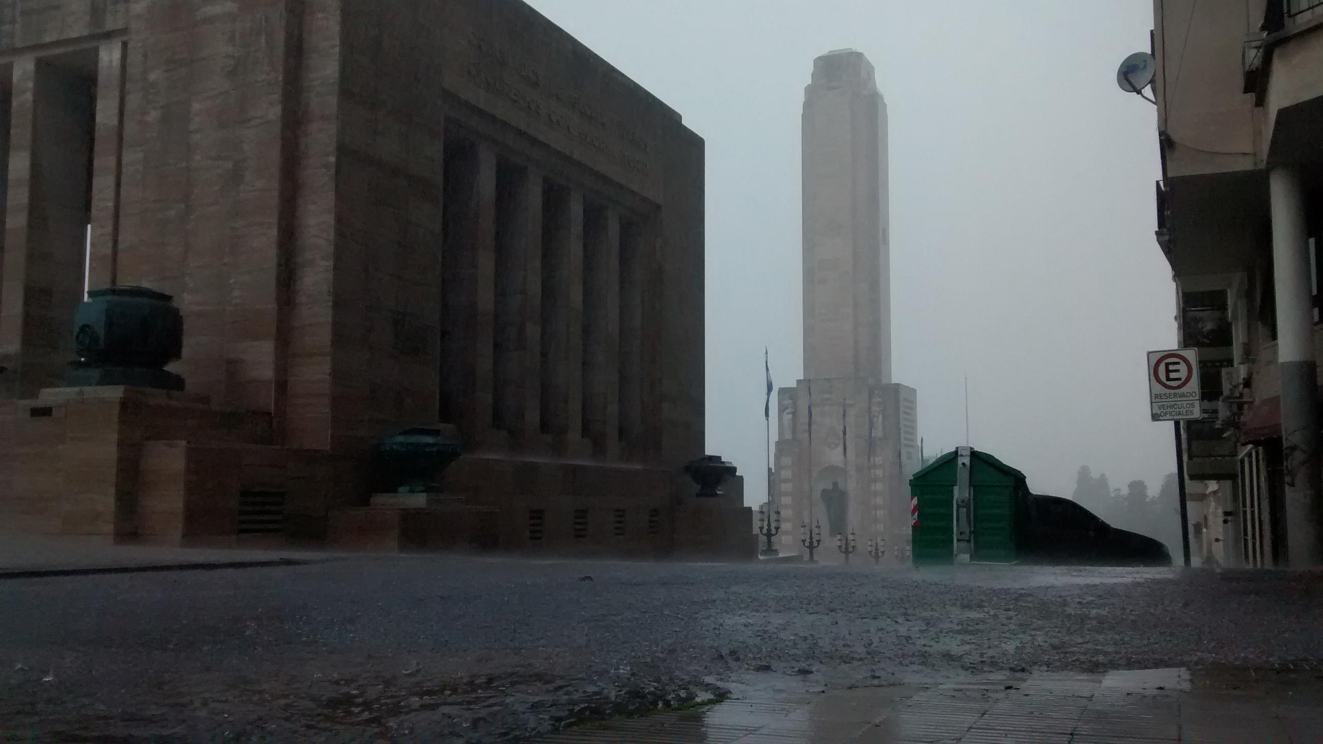 Se esperan tormentas fuertes para Rosario y buena parte del país.
