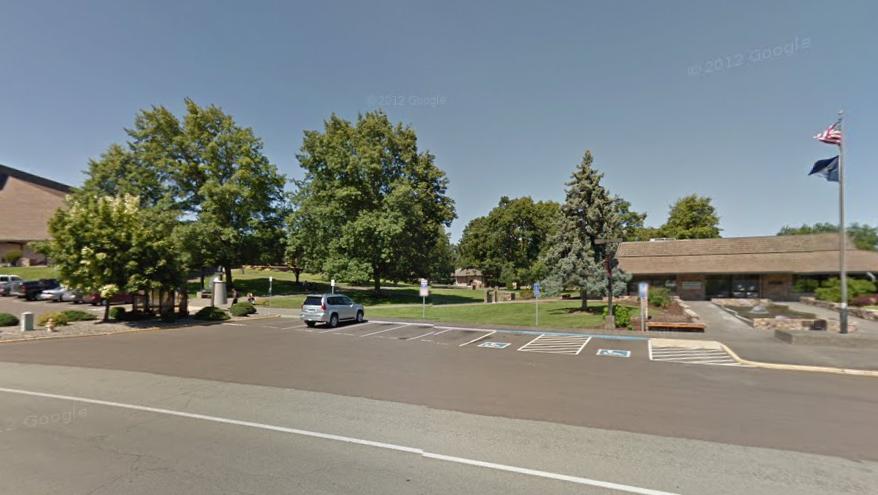 La academia donde esta tarde ocurrió el nuevo atentado a balazos que de tanto en tanto sacude a la sociedad norteamericana. (Google Street View)
