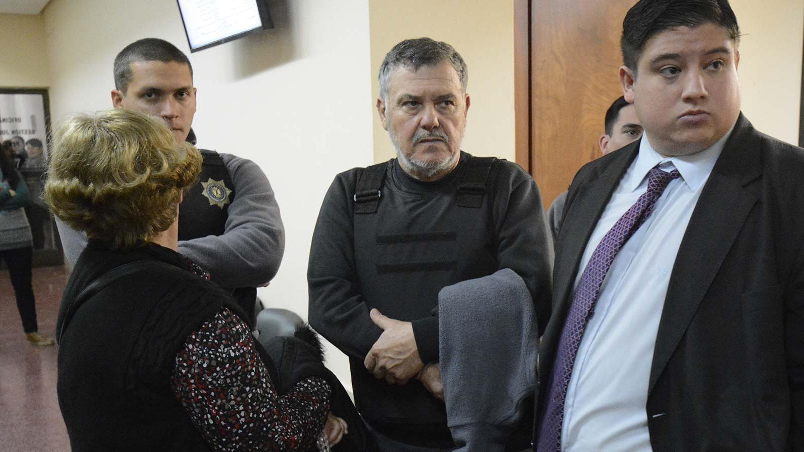Los padres de Paula encabezaron la vigilia en Tribunales.