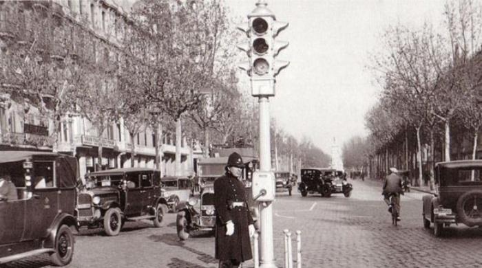 El primer semáforo de Argentina.