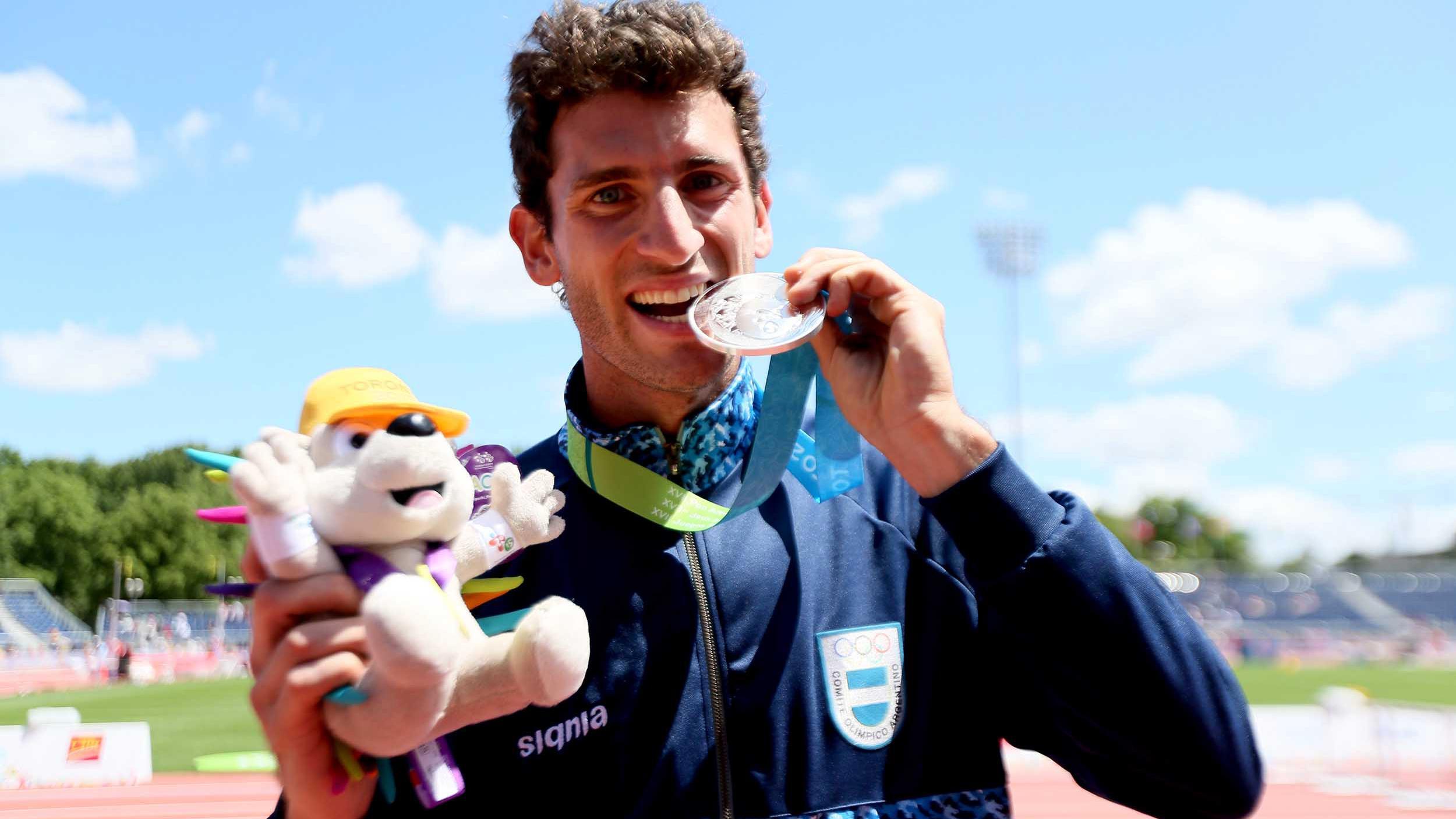 Chiaraviglio, de 27 años, logró una marca de 5,75 metros. (Foto: Télam)