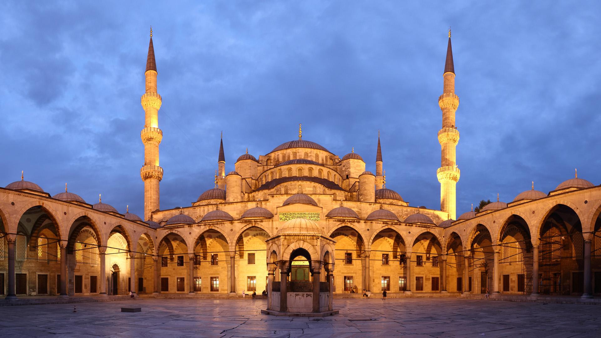 La antigua basílica patriarcal ortodoxa de Estambul, Santa Sofía, reconvertida en museo.
