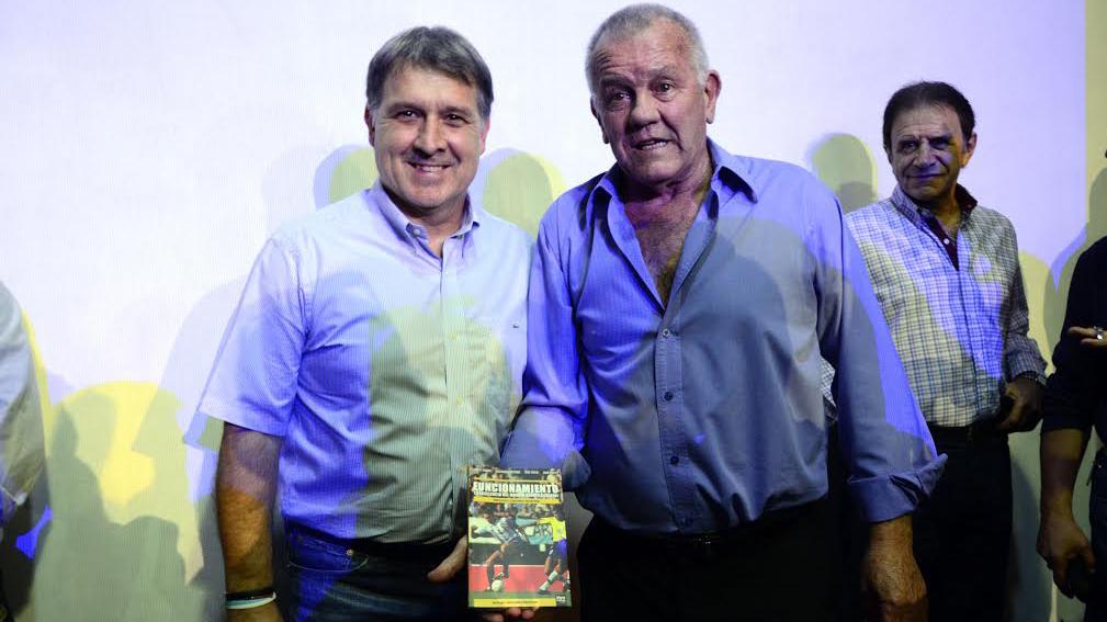 Martino junto a Solari, uno de sus maestros (Foto: Ángel Donzelli)