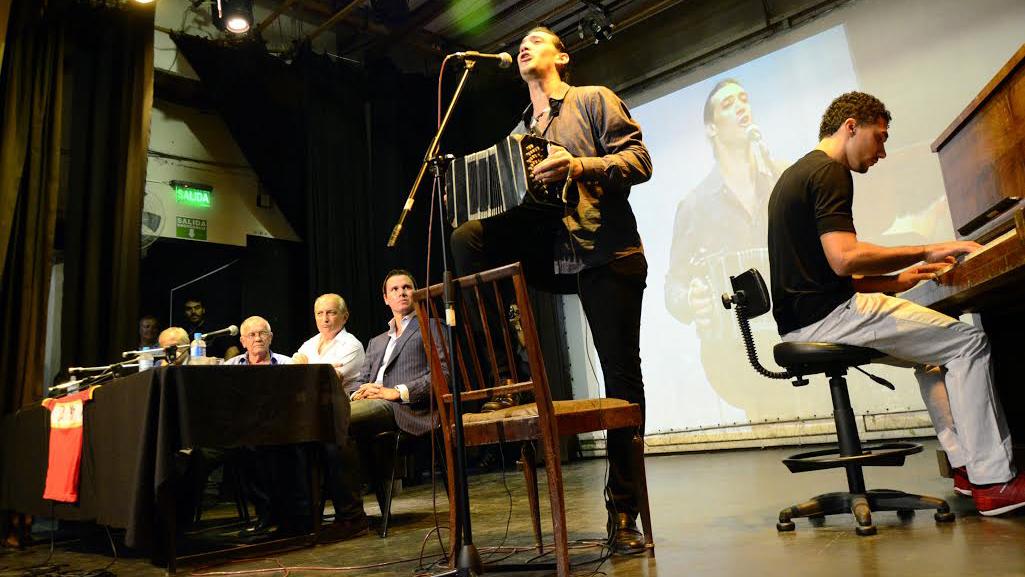 Música con Salvador Capitano (Foto: Ángel Donzelli)
