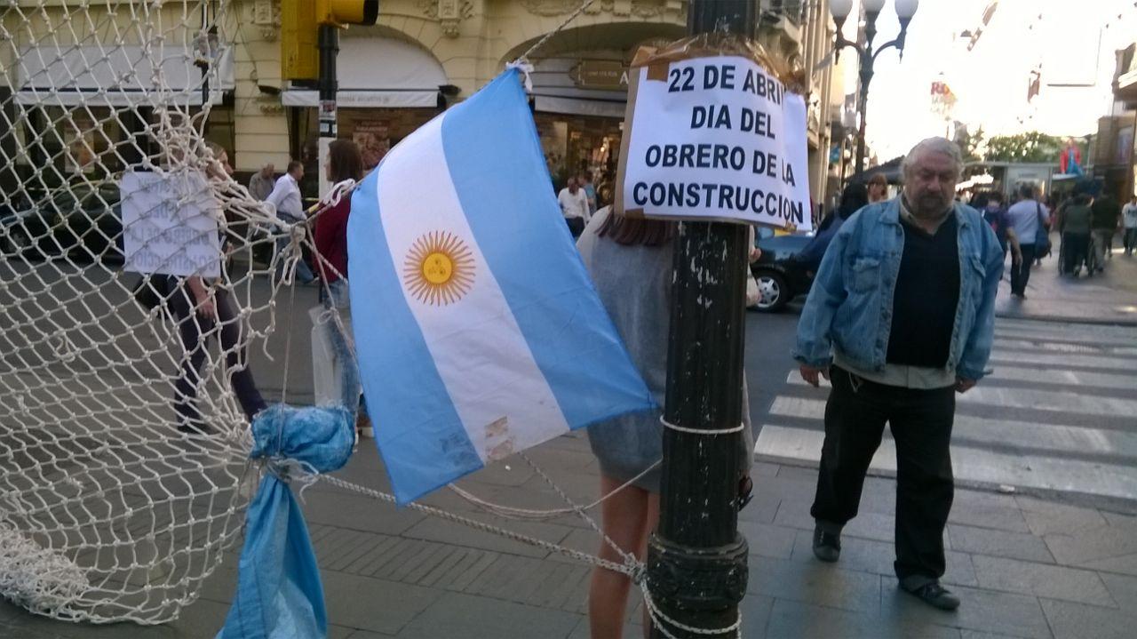 """El pedido de """"una red por la vida"""" se hizo oír este miércoles en el Corrientes y Córdoba"""