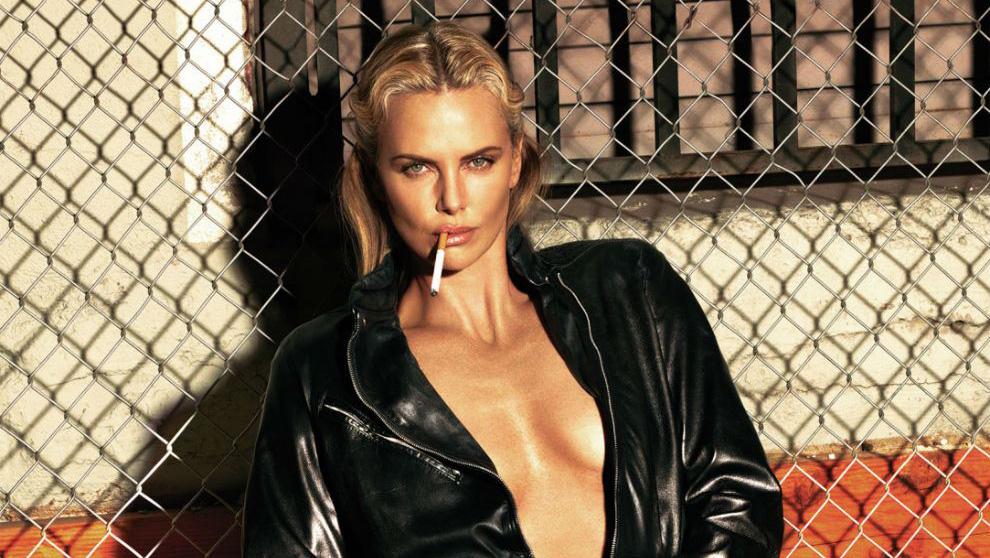 La actriz pisa los 40 y luce inoxidable.