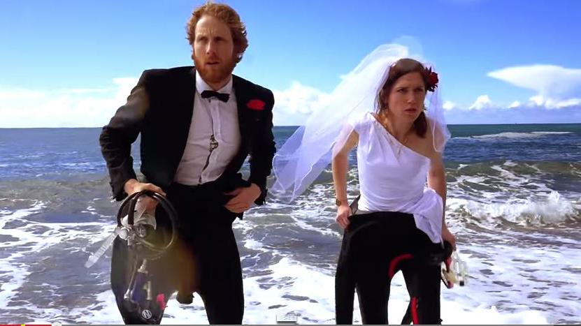 Imagen de la divertida pareja en su 'Misión Imposible'