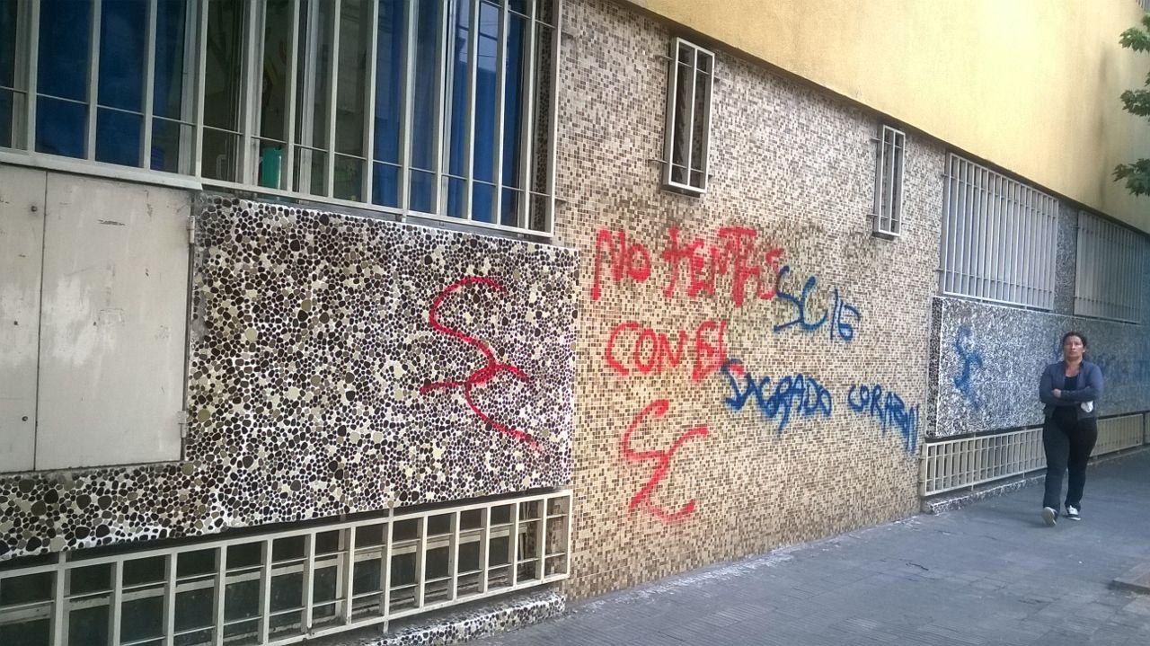 """""""No te metas con el Sagrado"""", el mensaje que dejaron. Foto: Rosario Plus"""