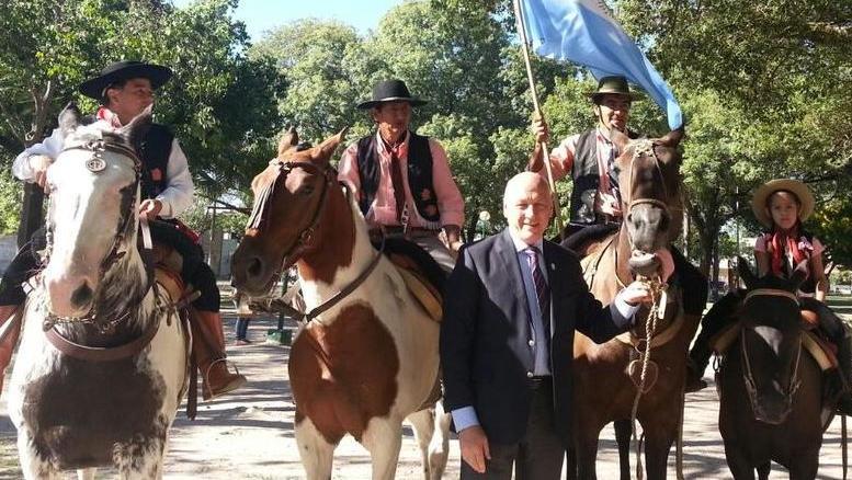 El gobernador en el homenaje a los veteranos y héroes de Malvinas