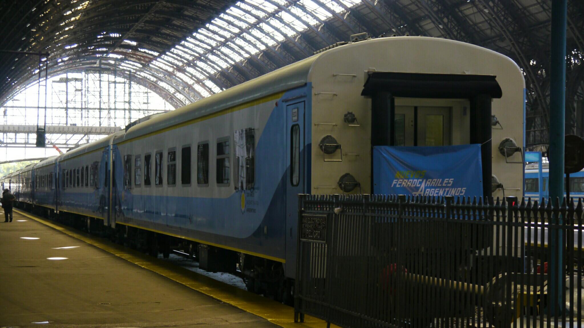 El tren en Retiro, minutos antes de partir (Foto: Rosario Plus)