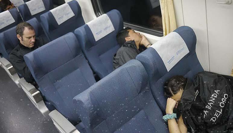 Una buena siesta antes de llegar a Rosario (Foto: Rosario Plus)