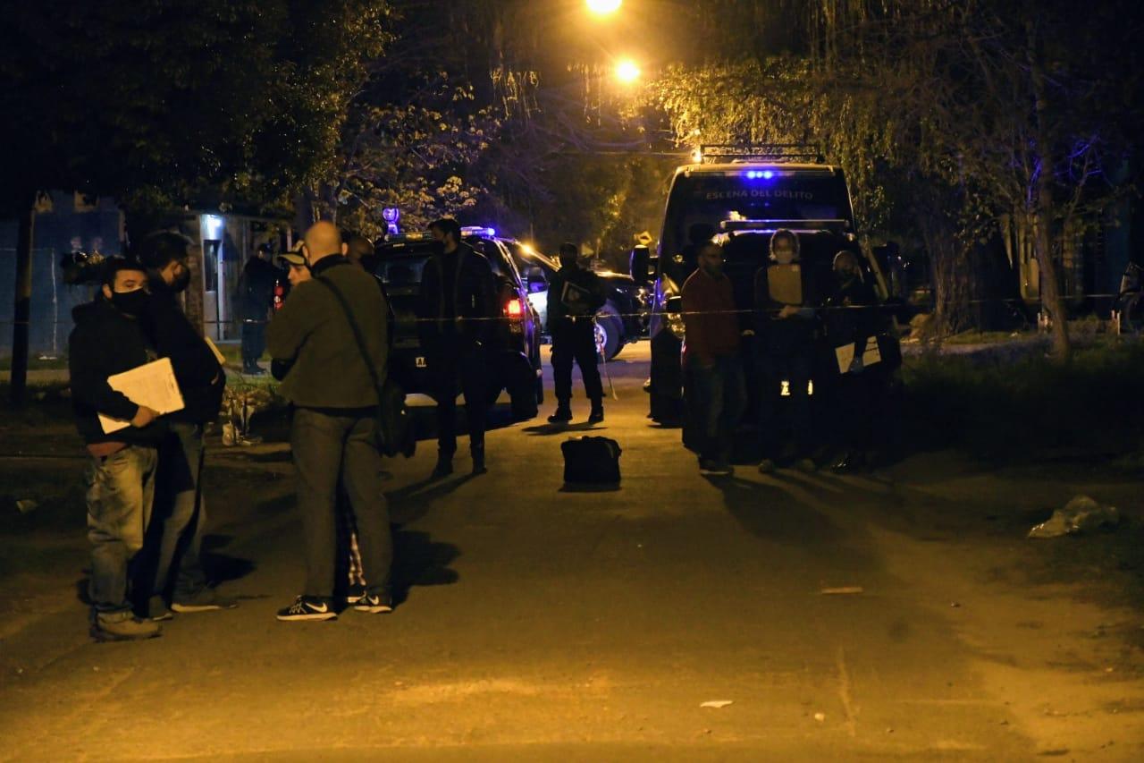 Los asesinos dispararon contra tres viviendas. Conmoción en Villa Urquiza.