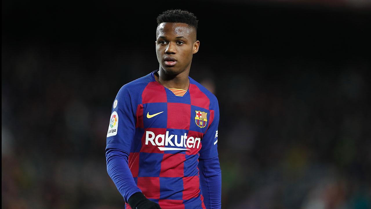 El delantero de 17 años, afuera en el regreso del Barcelona al fútbol.